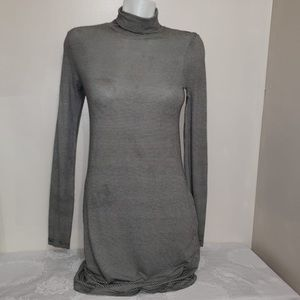 🧩H&M B&W Striped Long Sleeve Turtle Neck Dress